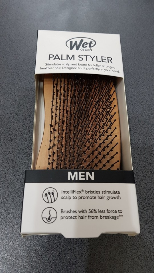 The Wet Brush - Palm Styler For Men- szakáll bontó kefe
